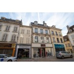 Spacious 5 Bedroom Flat, Avallon, France