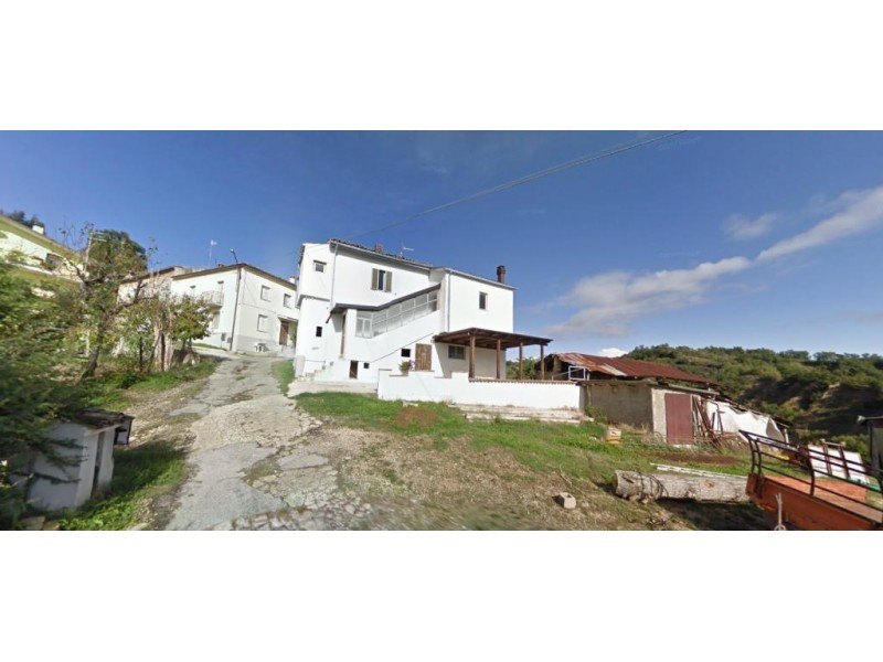 Stunning 3 Bedroom House For Sale in Abruzzo Italy