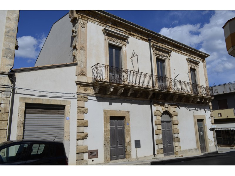Beautiful House For Sale in Pachino Italy