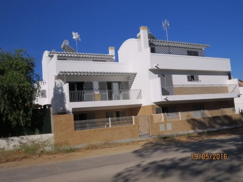 200M From Beach 3 Bedroom Semi-Detached House Faro