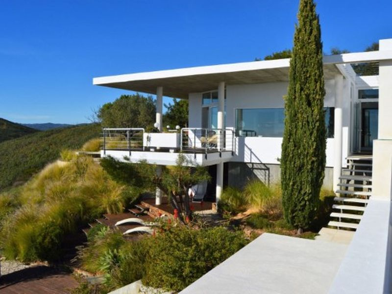4 Bed Contemporary Design With Pool And Excellent Views Tavira