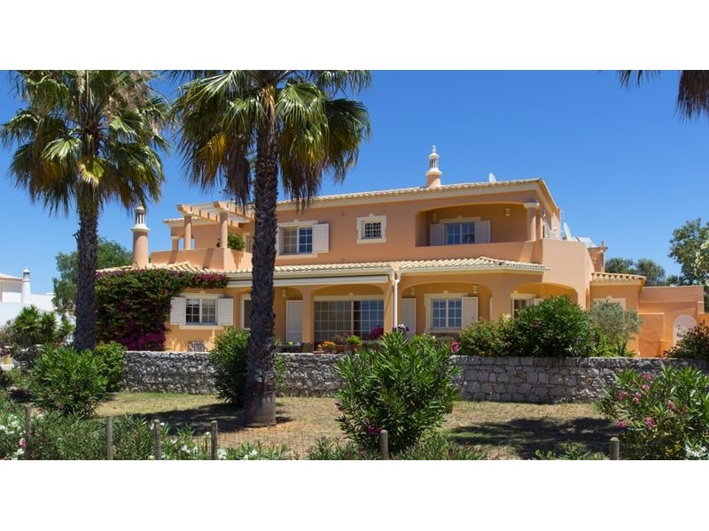 Two Villas With Swimming Pool For The Price Of One In Alvor