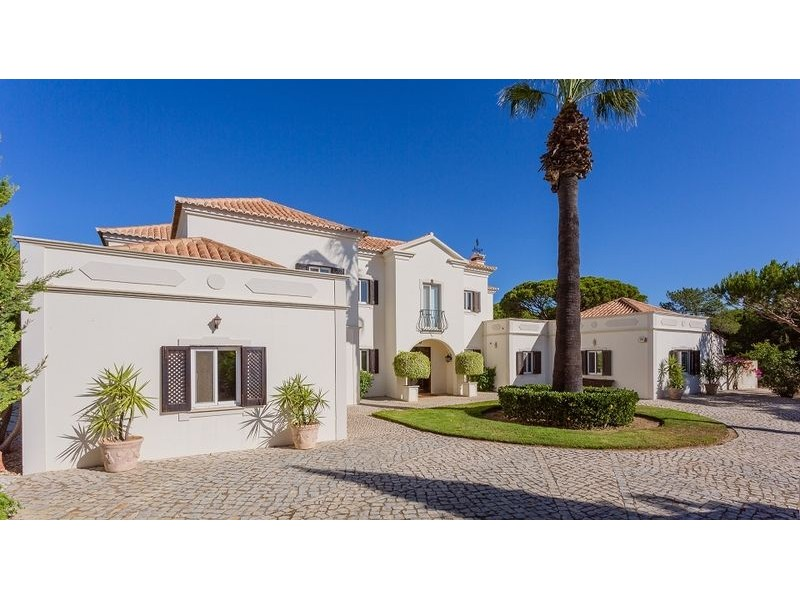 Fantastic Property With Golf Frontage For Sale In Quinta Do Lago, Algarve