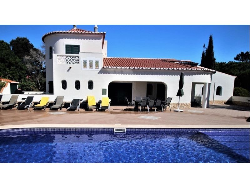 4 Bedroom Villa For Sale On The Outskirts Of  Carvoeiro