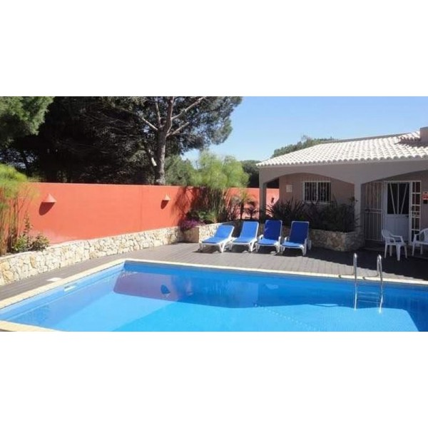 Villa Situated In A Rural Setting Only 5 Minutes From Vilamoura