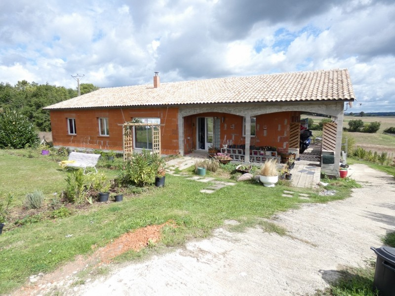 Stunning Three Bedroom House in France