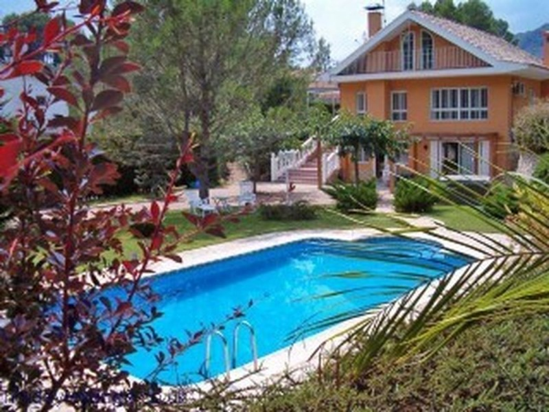 Superb 7 Bedroom Chalet in Valencia Spain