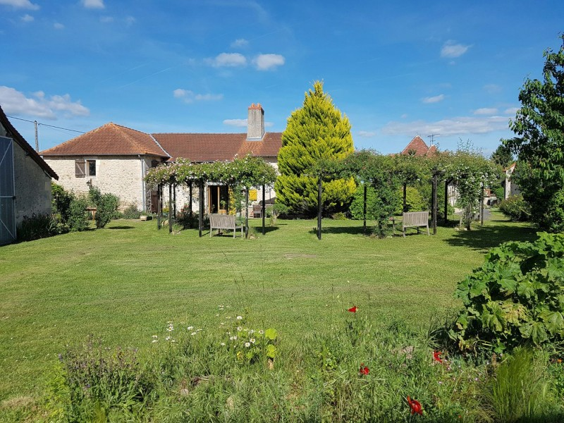 Superb 3 Bedroom Farmhouse and Land in le Bouex France