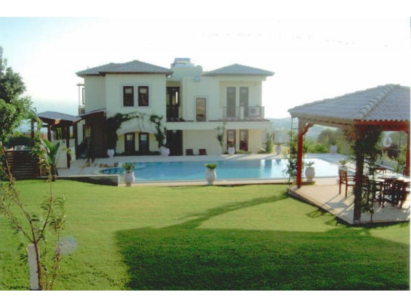 Luxury 3 Bedroom Villa in Aphrodite Spa and Beach Resort Paphos Cyprus