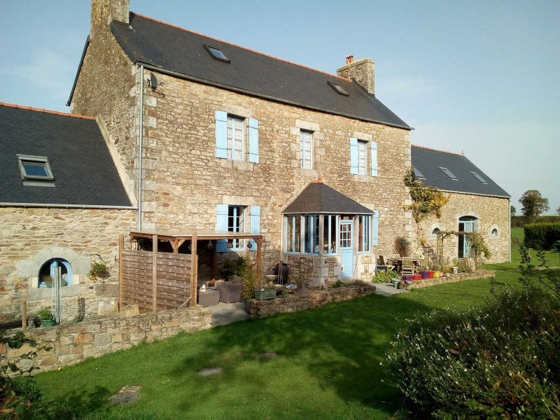 Large 4 Bedroom farmhouse in Cotes dArmor France