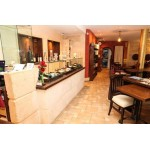 Restaurant in Excellent location and Apartment