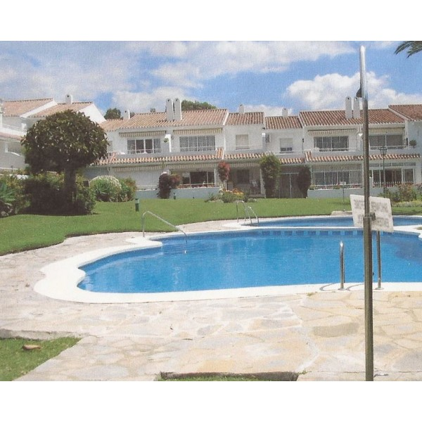 2 Bed Apartment in Estepona Malaga Province Spain
