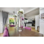 3 bed detached house in Bush Hill Road London England